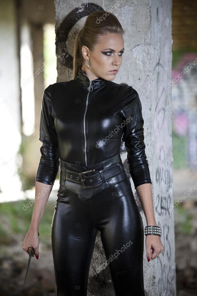 Womenin Leather Attire Vedios 101