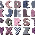 Различные текстильные записки алфавит на белом фоне — Cтоковый вектор