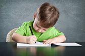 Liten pojke draw — Stockfoto