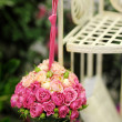 Beautiful hanging roses composition — Stock Photo