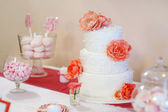Delicious wedding cake — Stock Photo
