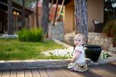 śliczny maluch dziewczyna — Zdjęcie stockowe