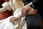 Birde's and groom's hands — Stock Photo