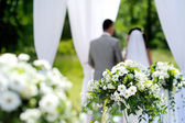 White flowers wedding decorations — Stock Photo