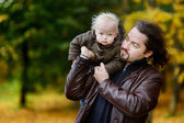 Young father and his toddler daughter — Foto Stock