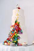 4 つの物語のウエディング ケーキ — ストック写真