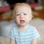arg upprörd barn girl — Stockfoto #43464639