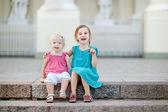 портрет двух сестричек — Стоковое фото