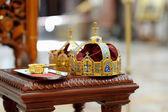 两个王冠作为东正教婚礼配件 — 图库照片