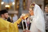 正統の結婚式で新郎新婦 — ストック写真