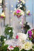 Krásnou kytici bílých a růžových orchideje — Stock fotografie
