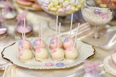 Wedding cake pops in pink and purple — Foto de Stock