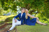 Young couple on a tropical island — Stockfoto
