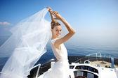 Happy bride on a yacht — Foto de Stock
