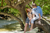 Young couple on a tropical island — Foto de Stock