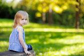 Urocze dziewczynki na zewnątrz — Zdjęcie stockowe