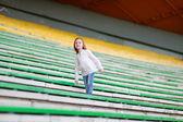 スタジアムの女の子 — ストック写真