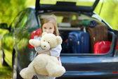 Little girl going for  vacation — Stock Photo