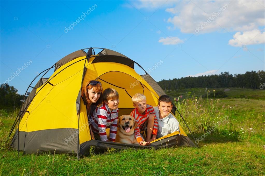 место рыбалка палатка с семьей