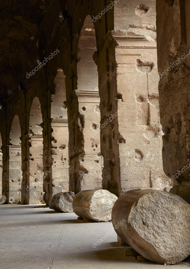 Colonnade of Colosseum the most well-known and remarkable landmark of Rome and Italy — Stock Photo #13879218