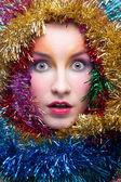 Frau in lametta weihnachten kostüm — Stockfoto