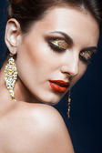 Maquiagem de rosto brilhante — Fotografia Stock