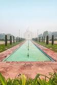 Taj Mahal in India on a misty morning — Stock Photo