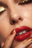 Błyszczący makijaż twarzy — Zdjęcie stockowe