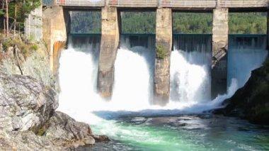 Old dam — Stock Video