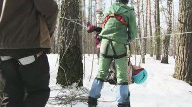 Climbers check equipment — Stock Video