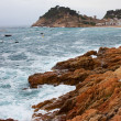 Rocks and waves of the Mediterranean Sea — Stock Photo