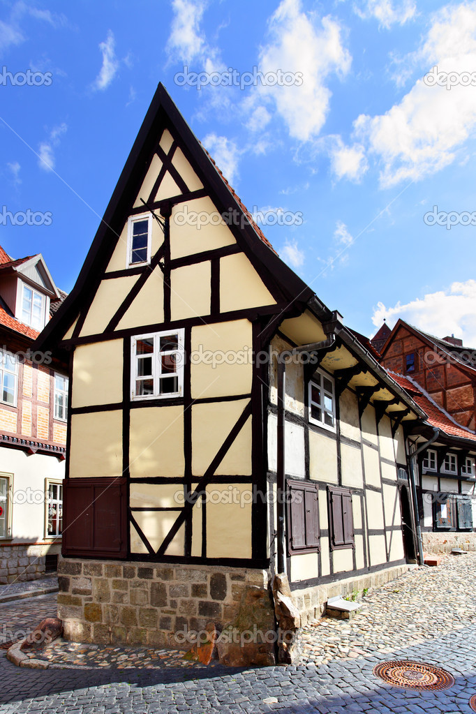 Old house in Quedlinburg, Germany — Stock Photo #12597418