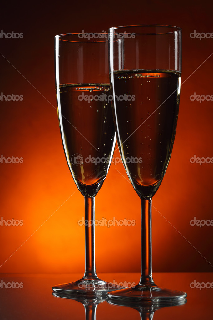 Two glasses of champagne — Stock Photo #13863477