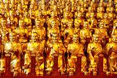 Золотые статуи lohans — Стоковое фото