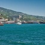 Yalta port in Crimea — Stock Photo