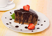Chocolate cake with strawberry — Stockfoto