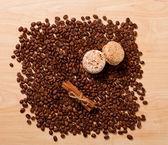 Coffee, cinnamon and macaroons — Stock Photo