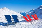 Seis sillas en la cima de la montaña — Foto de Stock
