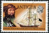 ANTIGUA - 1970: shows Blackbeard (Edward Teach) and pirate ketch — Stock Photo