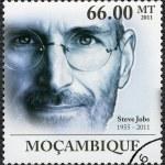 Постер, плакат: MOZAMBIQUE 2011: shows portrait of Steve Jobs 1955 2011