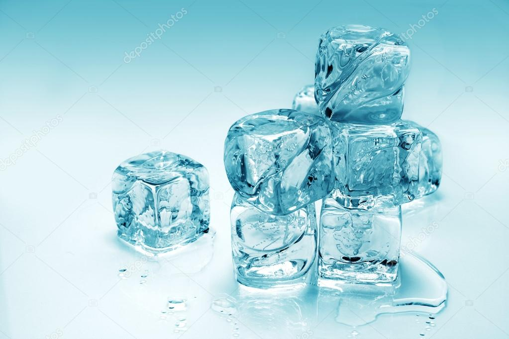 Melting ice cubes — Stock Photo #12612653