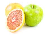 Grapefruit end green apple — Stock Photo