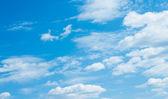 Modrá obloha a mraky — Stock fotografie
