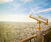 Eiffel Tower telescope overlooking for Paris — Stock Photo