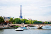 View of the Eiffel Tower and bridge — Stock Photo