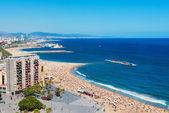 Playa de la barceloneta en barcelona, españa — Foto de Stock