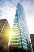 Moderní budovy s sun — Stock fotografie