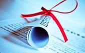 Diploma com fita vermelha — Foto Stock