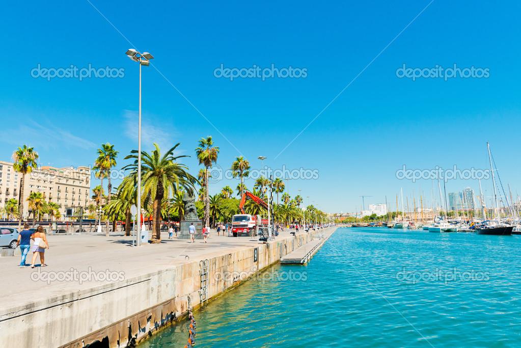 Mostra porto di mare di barcellona spagna foto for Spagna barcellona