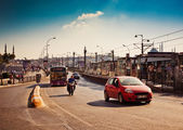 Traffic on Galata Bridge in Istanbul, Turkey. — Stock Photo